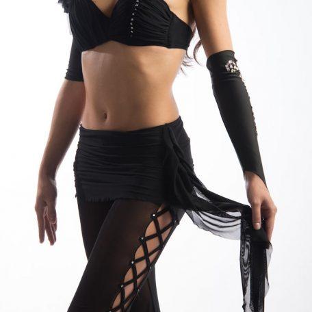 traje-sujetador-asimetrico-pantalon_1809