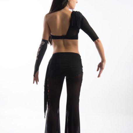 traje-sujetador-asimetrico-pantalon_1819